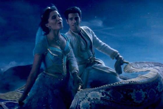 O plimbare cu covorul zburător din filmul Aladdin? Se poate în sala 4DX!