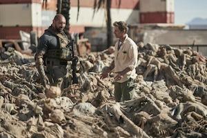 Zack Snyder se întoarce la rădăcinile zombie cu un film exploziv. Trailerul e dovada!